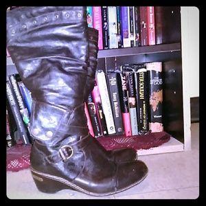 Shoes - Bucco  Boots